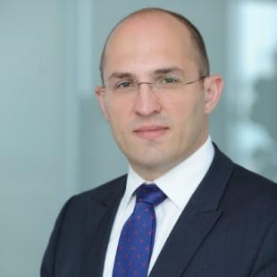 Bogdan Tenu senior manager ey