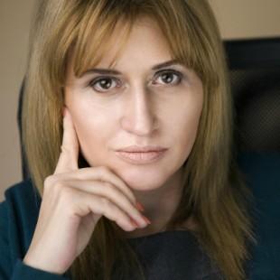 Mihaela Mitroi_small 2