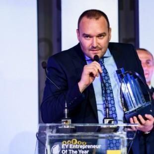 Levente Hugo Bara castigator Entrepreneur Of The Year 2015